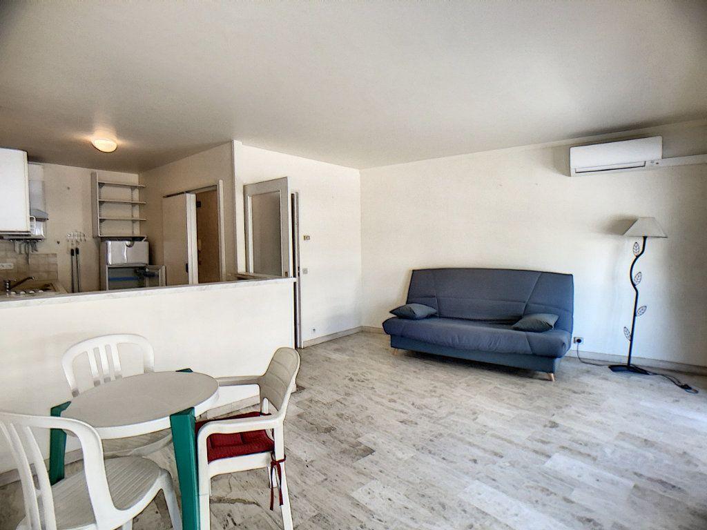 Appartement à vendre 2 45.96m2 à Antibes vignette-2
