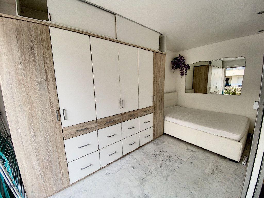 Appartement à louer 2 35.17m2 à Juan-les-Pins - Antibes vignette-6