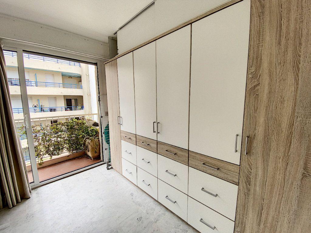 Appartement à louer 2 35.17m2 à Juan-les-Pins - Antibes vignette-7