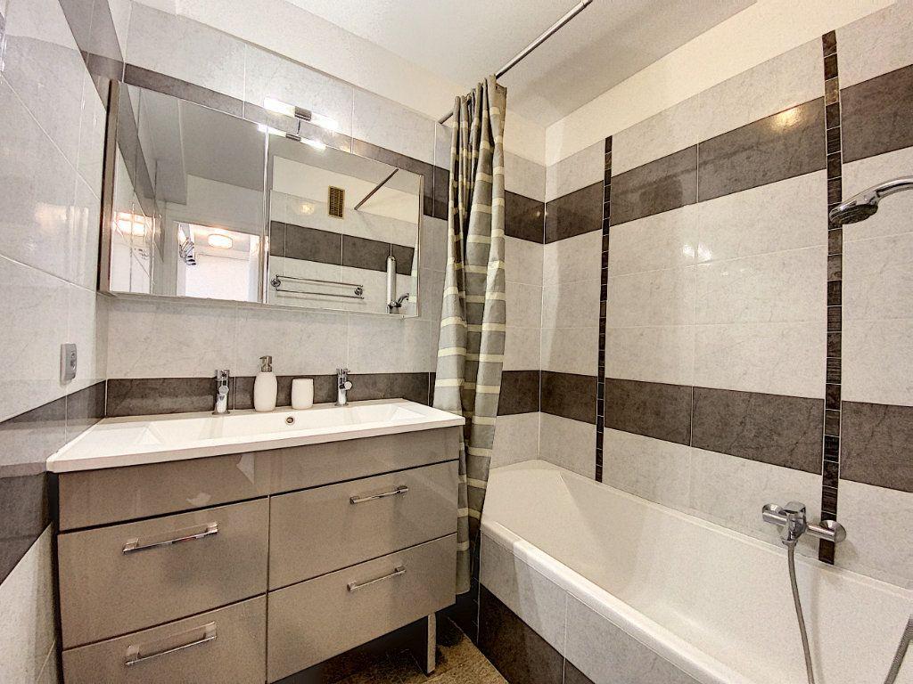 Appartement à louer 2 35.17m2 à Juan-les-Pins - Antibes vignette-8