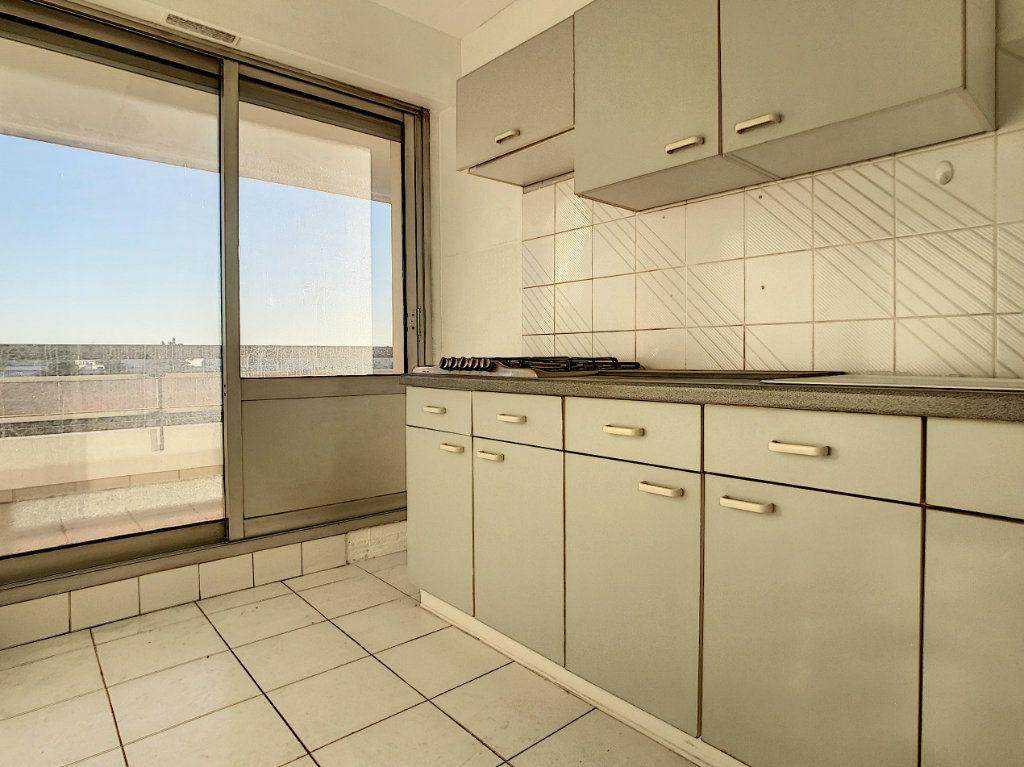 Appartement à vendre 2 45m2 à Antibes vignette-4