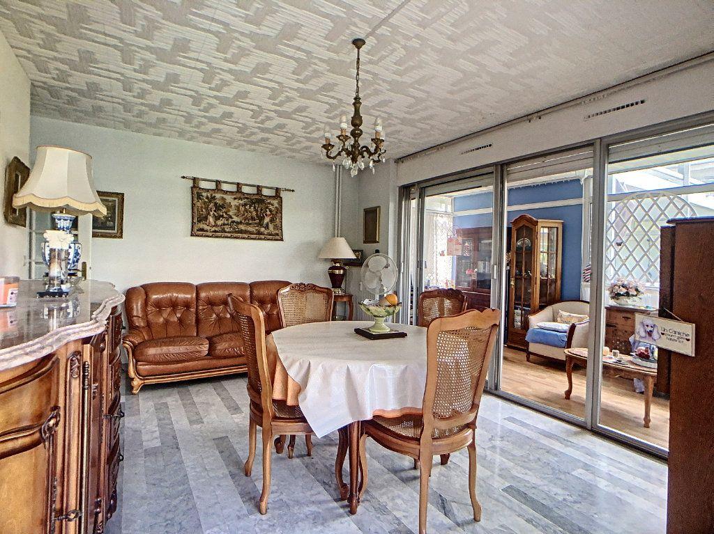 Appartement à vendre 3 76.46m2 à Juan-les-Pins - Antibes vignette-4