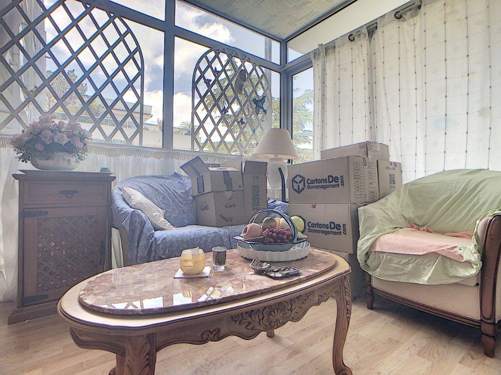 Appartement à vendre 3 76.46m2 à Juan-les-Pins - Antibes vignette-7