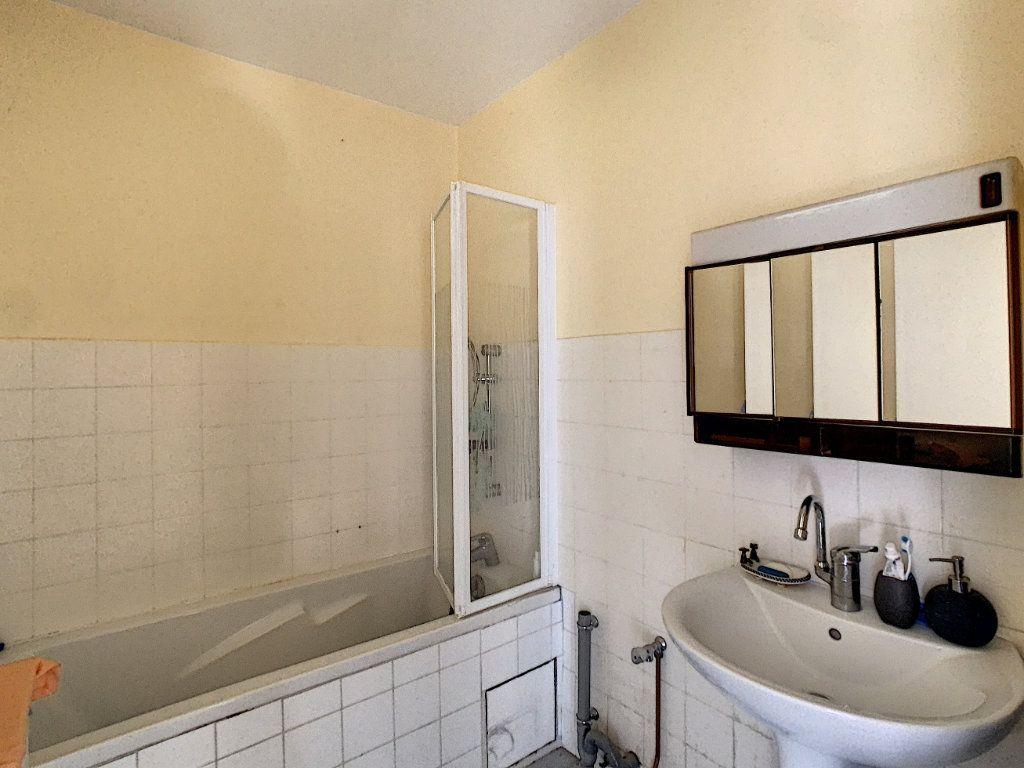 Appartement à vendre 4 84m2 à Antibes vignette-5