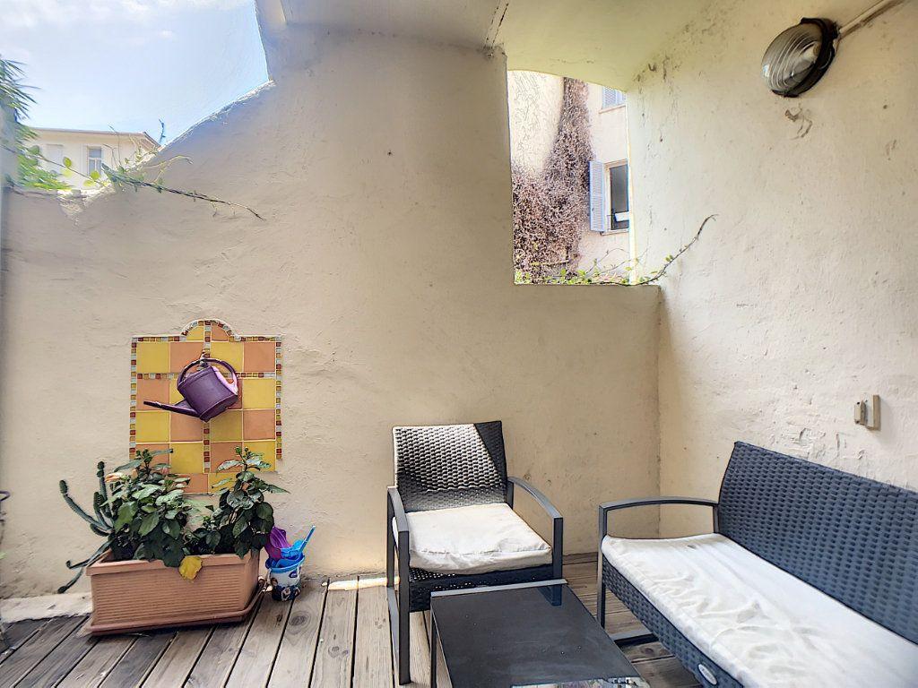 Appartement à vendre 2 28.69m2 à Antibes vignette-2
