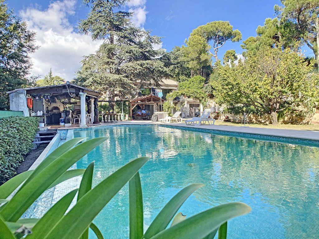 Maison à vendre 6 240m2 à Antibes vignette-12