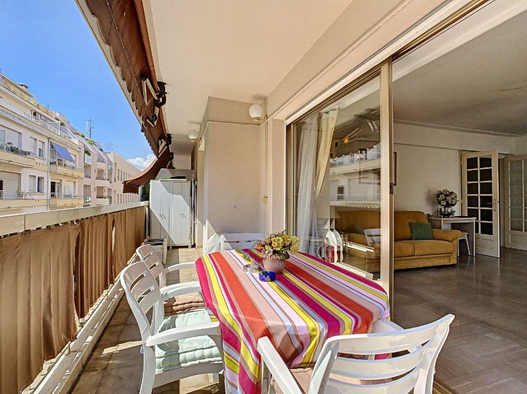 Appartement à vendre 3 91.15m2 à Juan-les-Pins - Antibes vignette-1