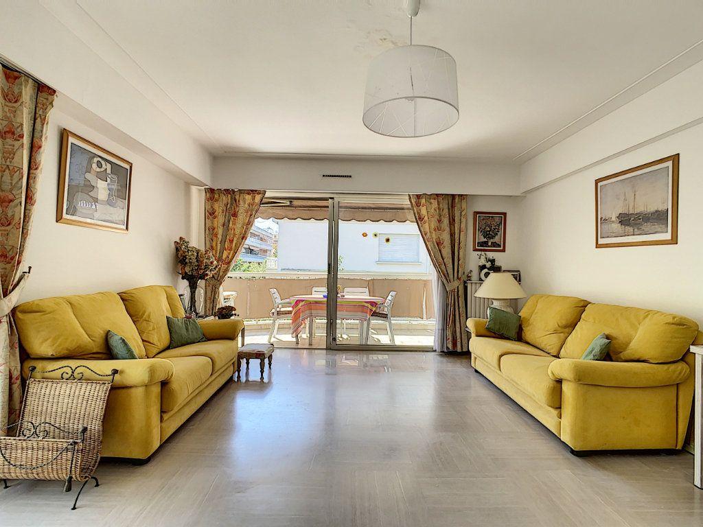 Appartement à vendre 3 91.15m2 à Juan-les-Pins - Antibes vignette-2