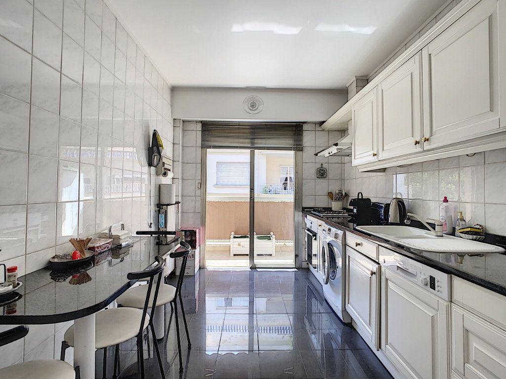 Appartement à vendre 3 91.15m2 à Juan-les-Pins - Antibes vignette-3