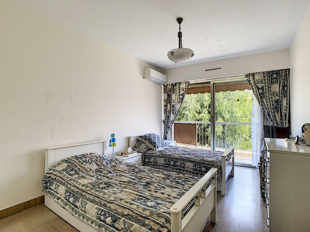 Appartement à vendre 3 91.15m2 à Juan-les-Pins - Antibes vignette-6