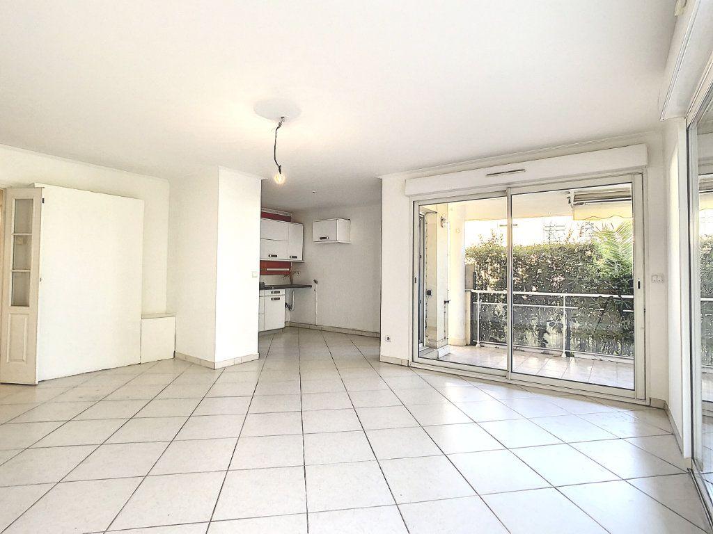 Appartement à vendre 3 68.65m2 à Antibes vignette-3