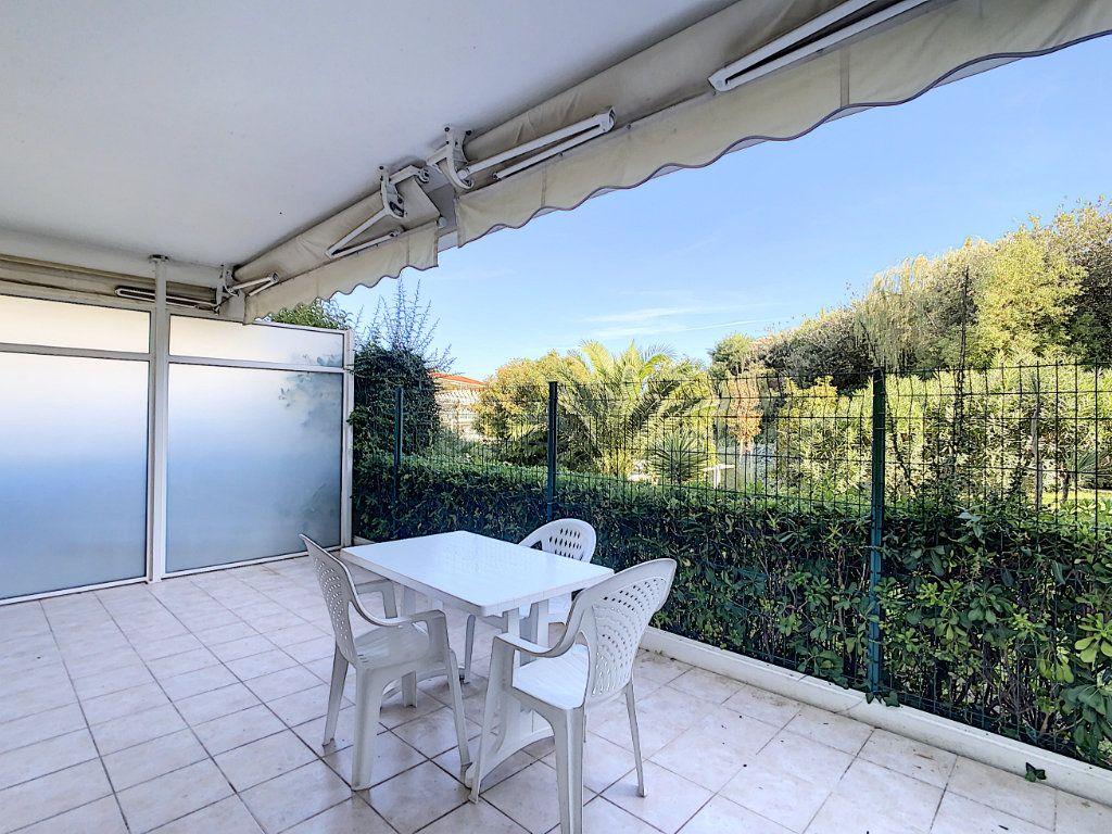 Appartement à vendre 3 68.65m2 à Antibes vignette-5