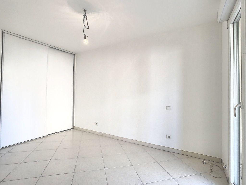 Appartement à vendre 3 68.65m2 à Antibes vignette-7