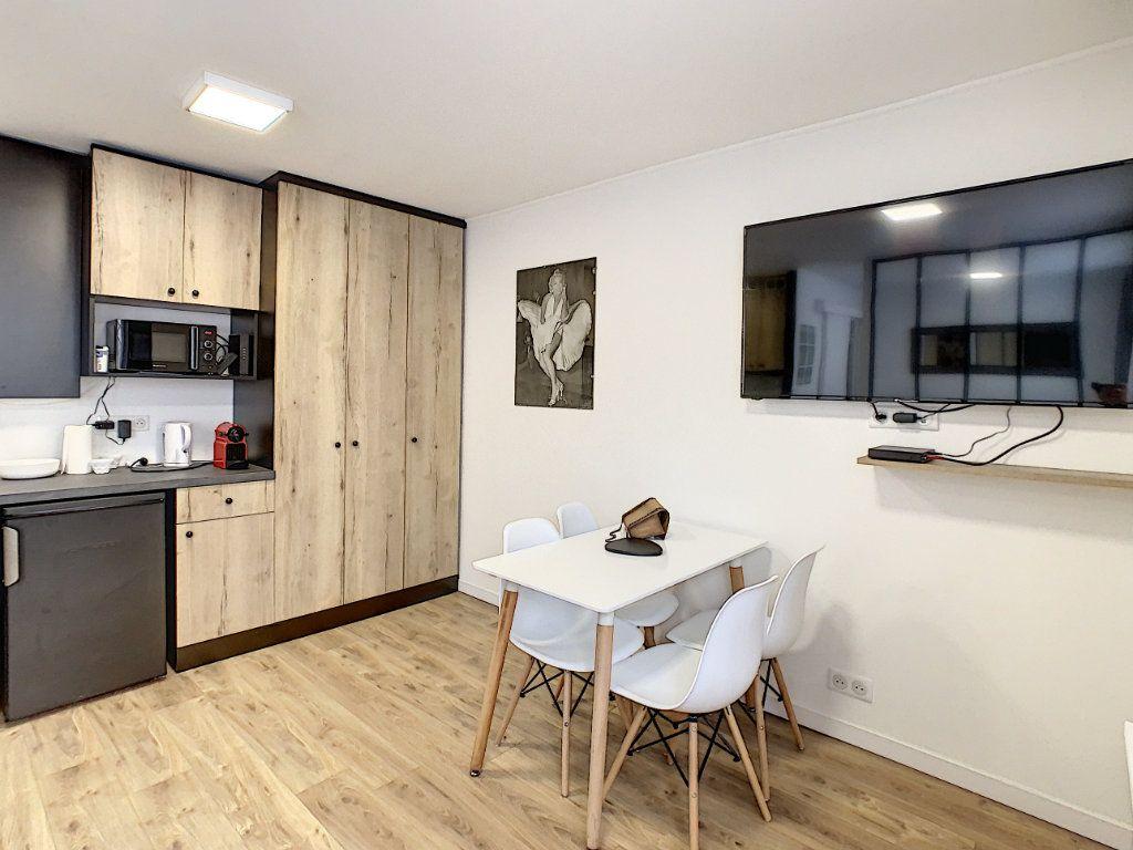 Appartement à vendre 2 25m2 à Cannes vignette-2