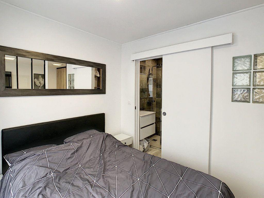 Appartement à vendre 2 25m2 à Cannes vignette-4