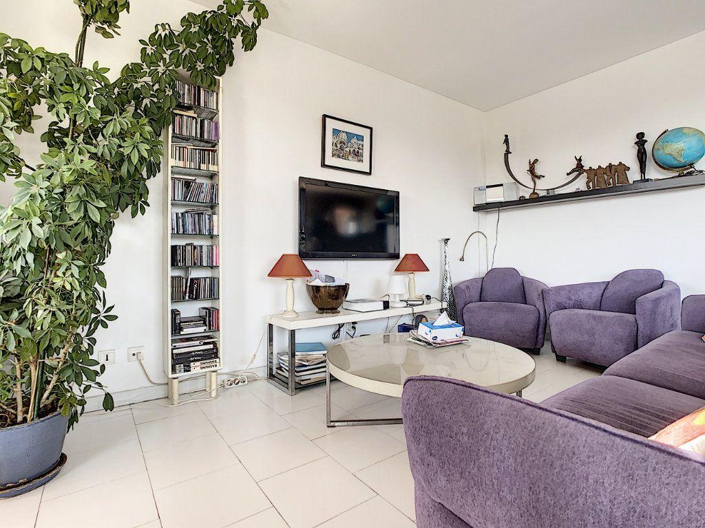 Appartement à vendre 3 66.28m2 à Antibes vignette-4