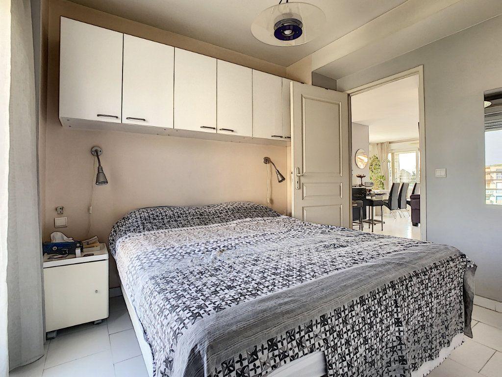Appartement à vendre 3 66.28m2 à Antibes vignette-6