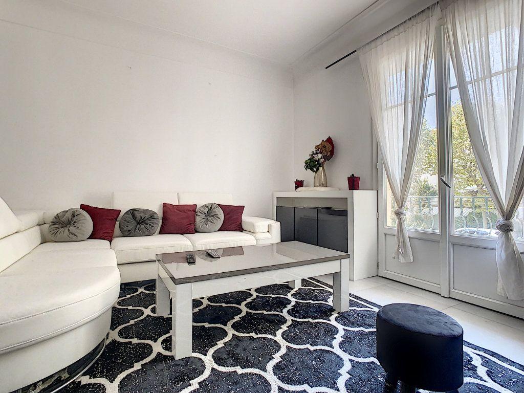 Appartement à vendre 4 93.73m2 à Cannes vignette-1