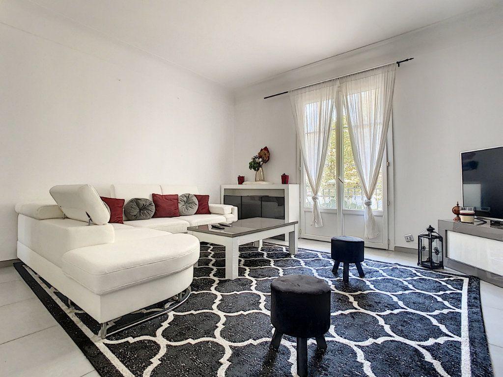 Appartement à vendre 4 93.73m2 à Cannes vignette-7