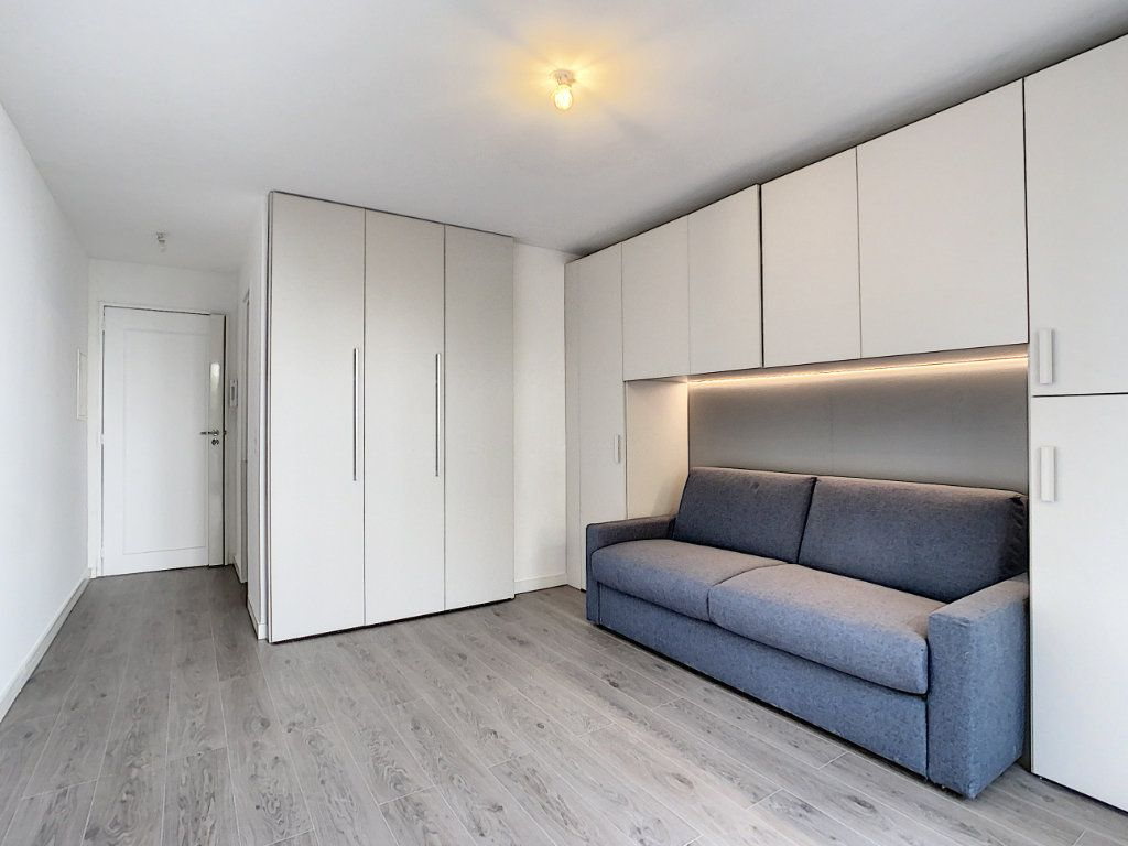 Appartement à vendre 1 21.38m2 à Cannes vignette-2
