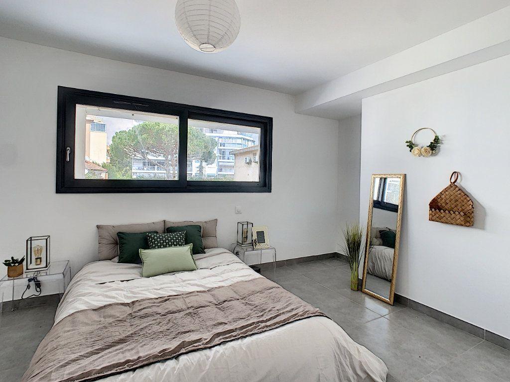Appartement à vendre 2 48.57m2 à Golfe Juan - Vallauris vignette-4