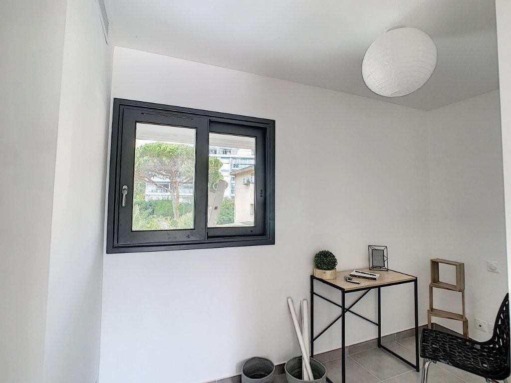 Appartement à vendre 2 48.57m2 à Golfe Juan - Vallauris vignette-7