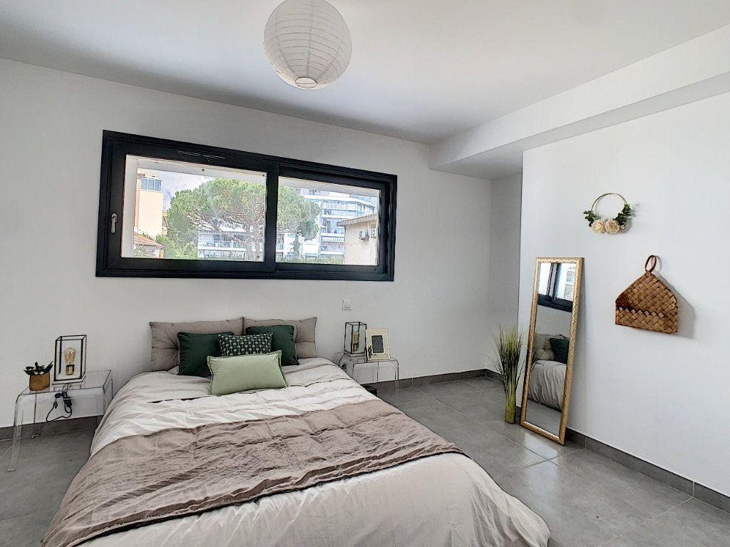 Appartement à vendre 2 44.83m2 à Golfe Juan - Vallauris vignette-5