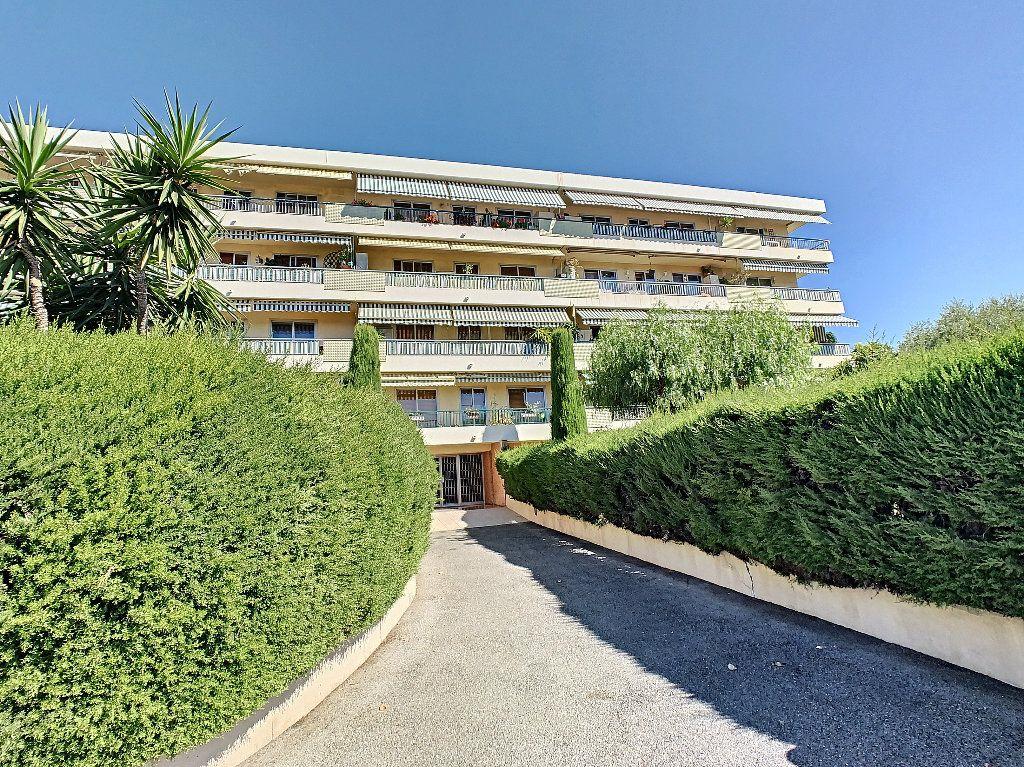 Appartement à vendre 2 50m2 à Antibes vignette-1