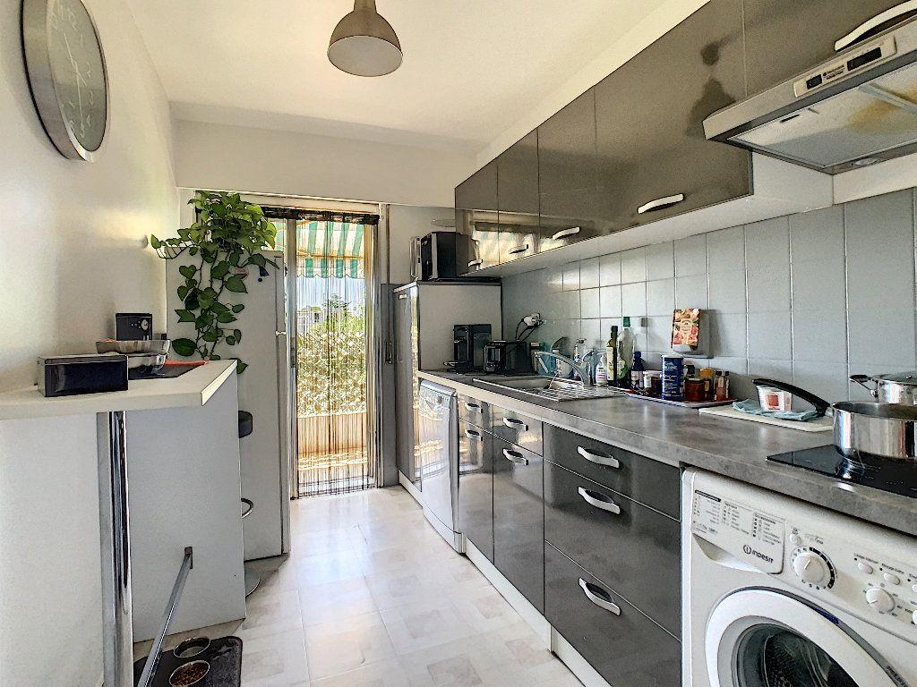 Appartement à vendre 2 50m2 à Antibes vignette-2