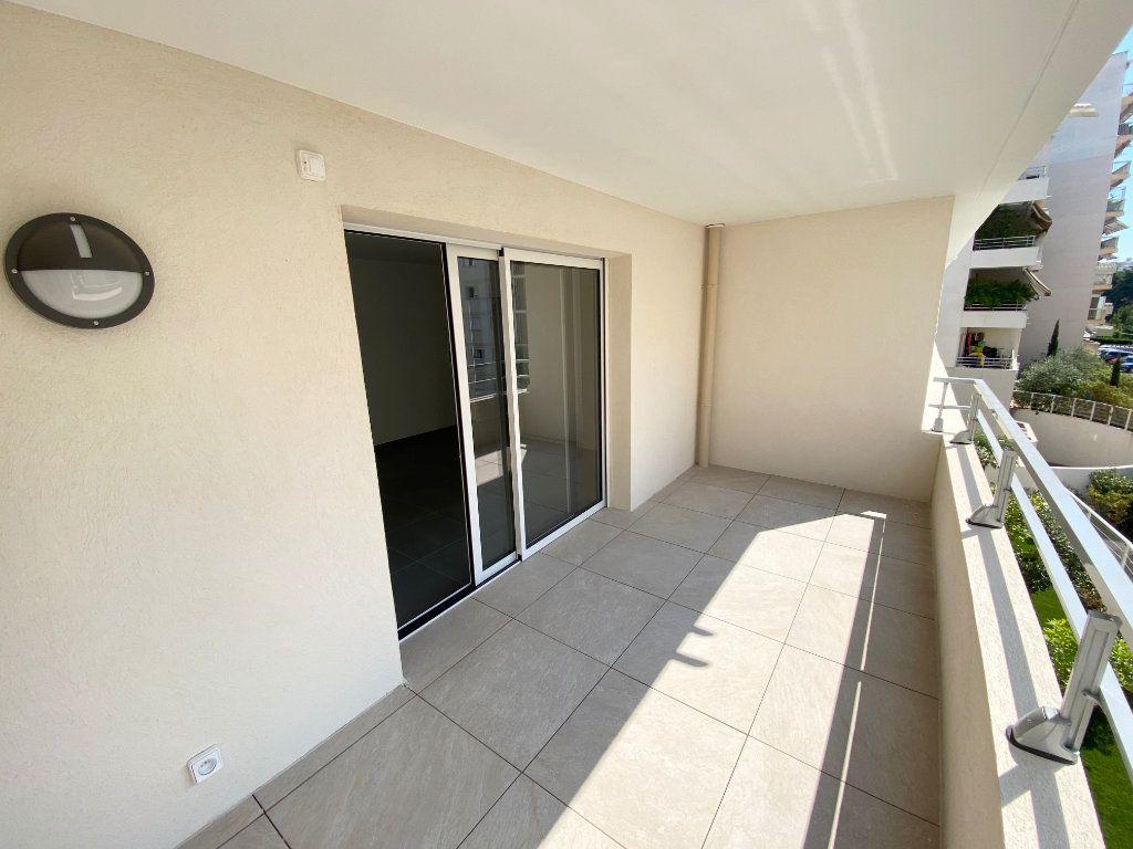 Appartement à vendre 3 67.7m2 à Juan-les-Pins - Antibes vignette-1