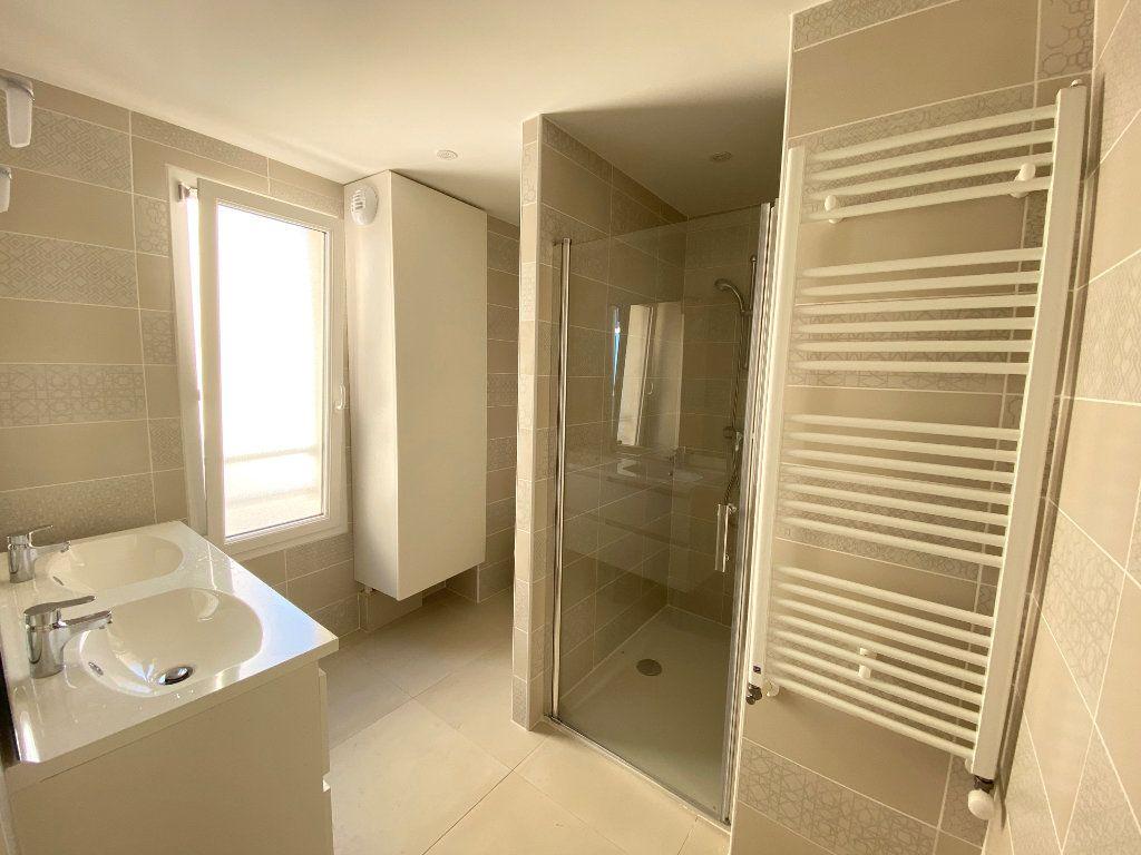 Appartement à vendre 3 67.7m2 à Juan-les-Pins - Antibes vignette-6