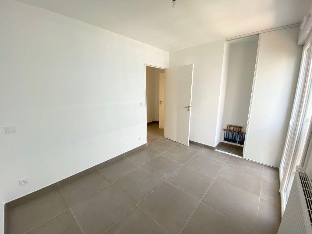 Appartement à vendre 3 67.7m2 à Juan-les-Pins - Antibes vignette-7