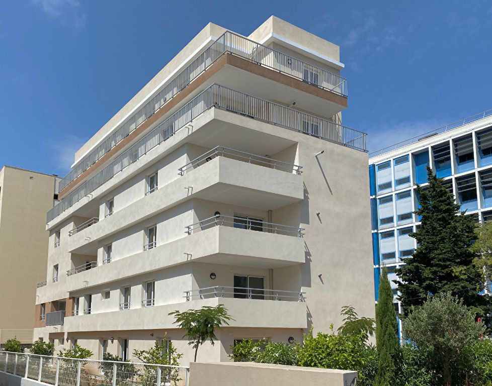 Appartement à vendre 4 108m2 à Juan-les-Pins - Antibes vignette-3