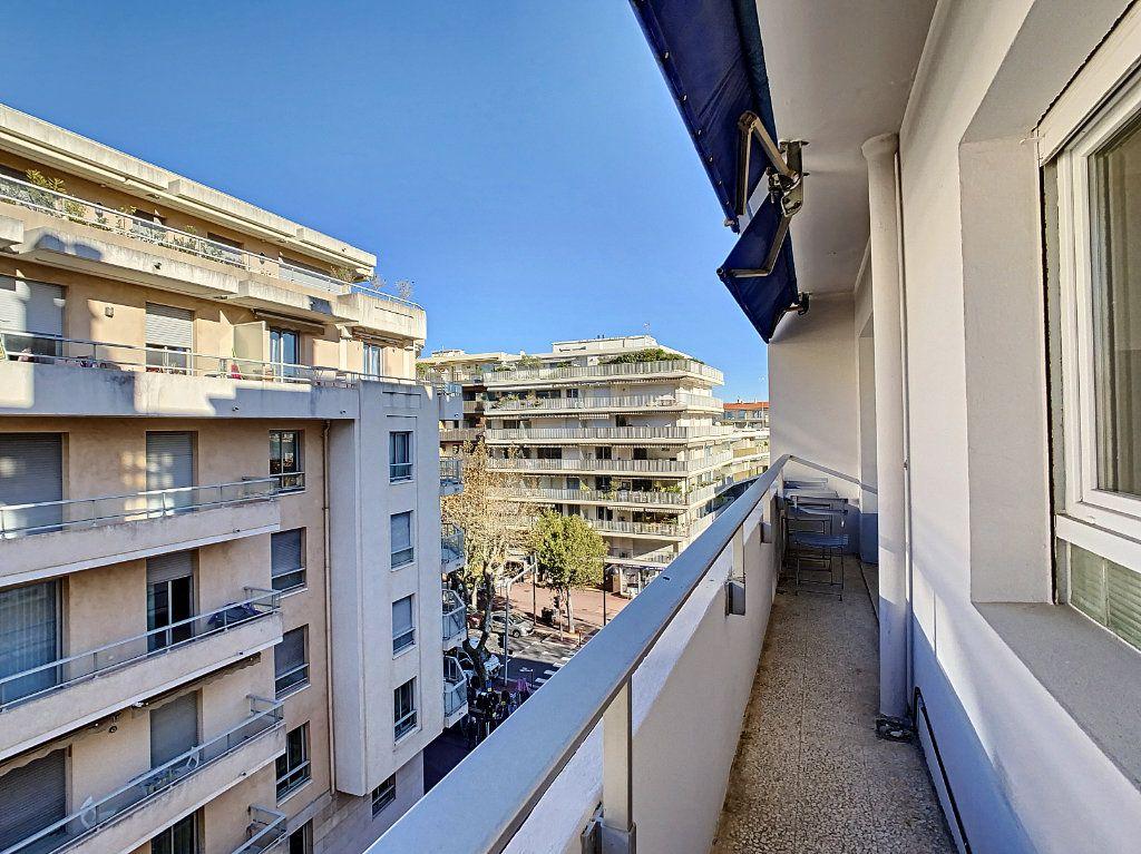Appartement à vendre 4 80m2 à Antibes vignette-1