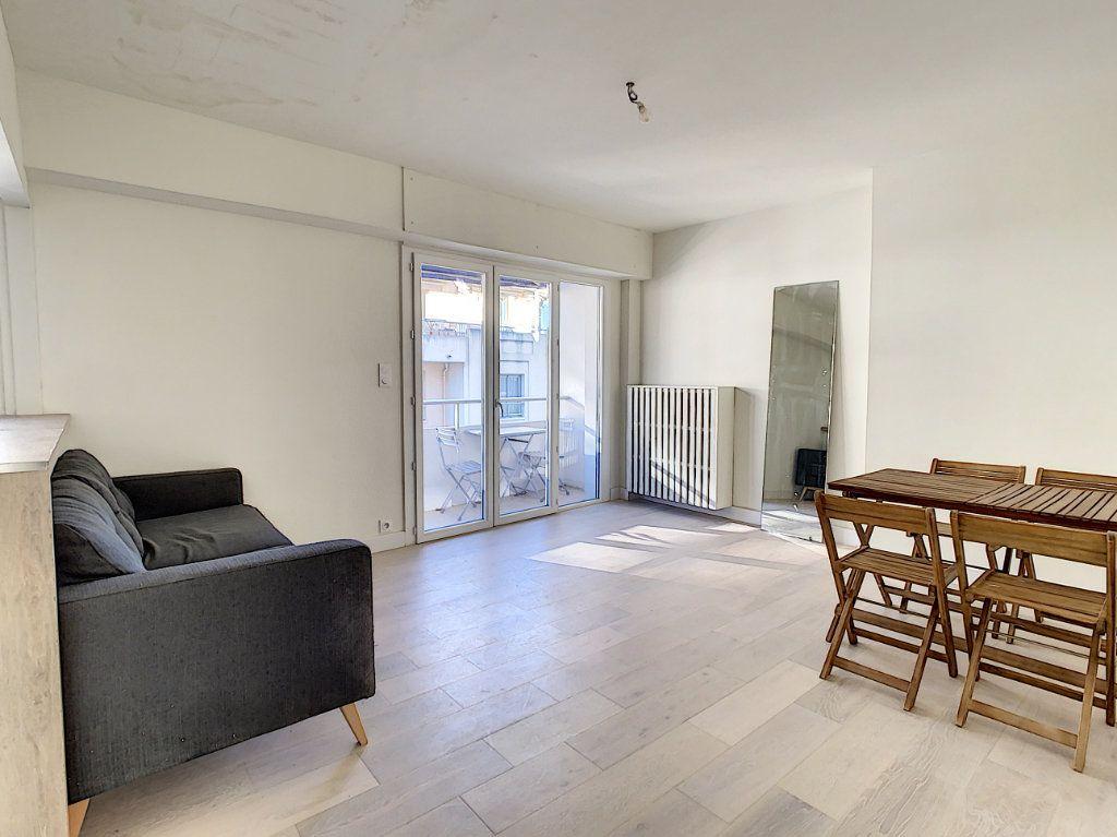 Appartement à vendre 4 80m2 à Antibes vignette-2