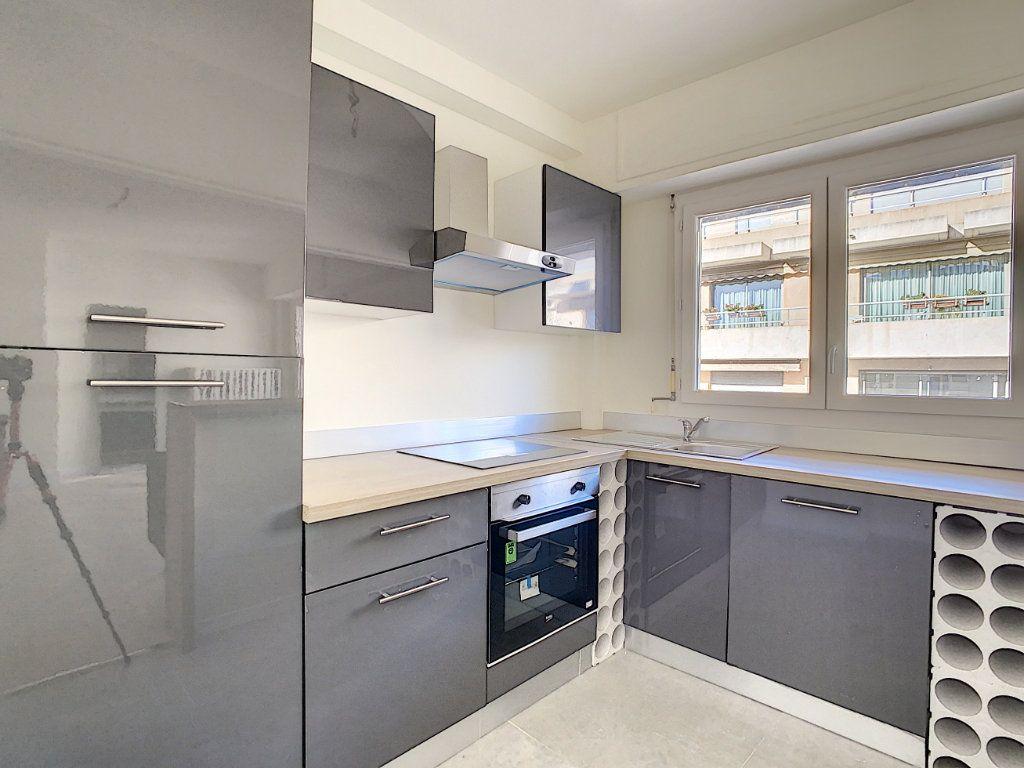 Appartement à vendre 4 80m2 à Antibes vignette-3
