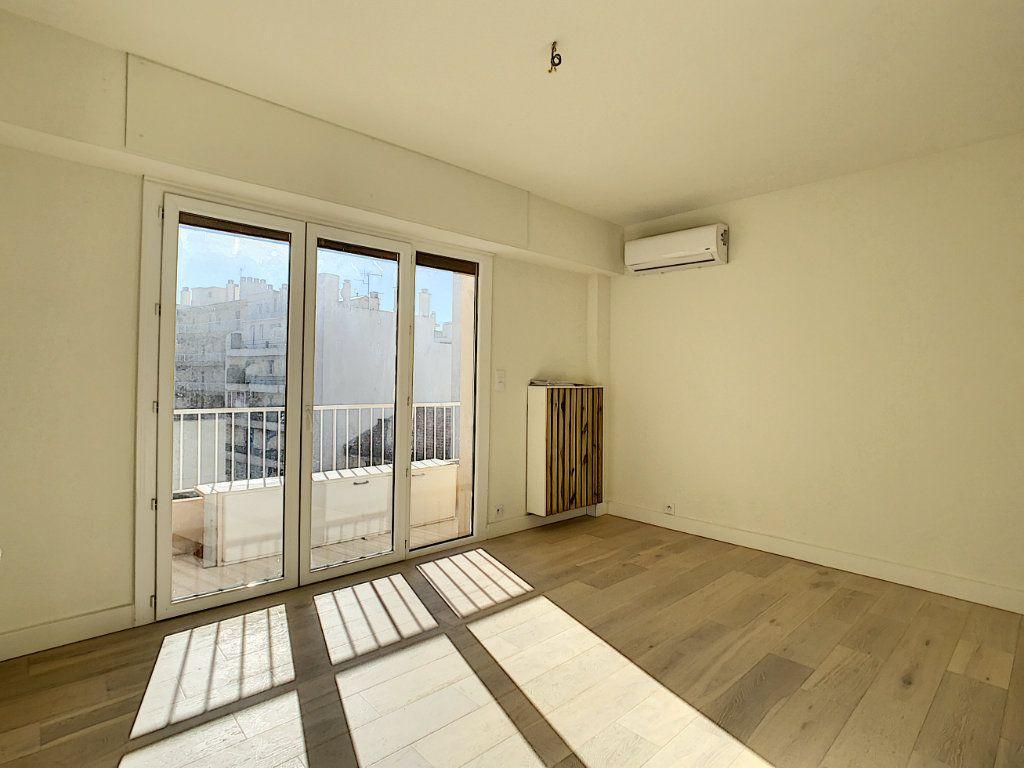 Appartement à vendre 4 80m2 à Antibes vignette-4