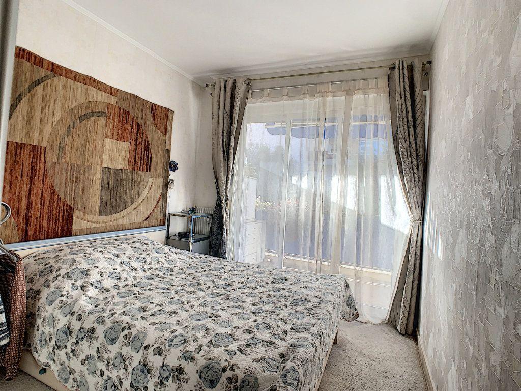 Appartement à vendre 3 51m2 à Juan-les-Pins - Antibes vignette-5