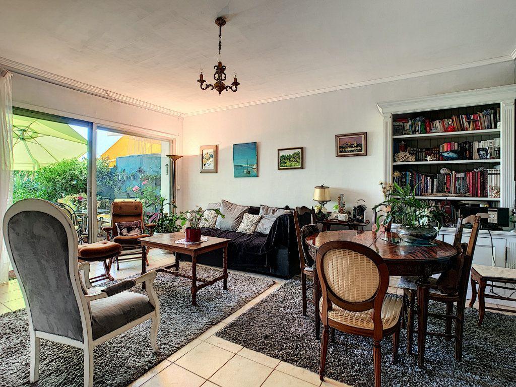 Appartement à vendre 4 92m2 à Antibes vignette-4