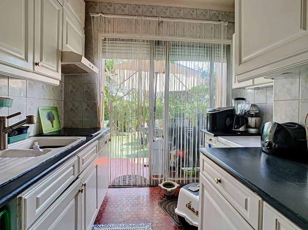 Appartement à vendre 4 92m2 à Antibes vignette-5