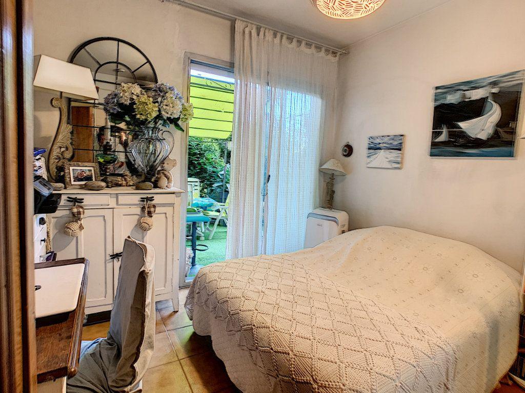 Appartement à vendre 4 92m2 à Antibes vignette-6