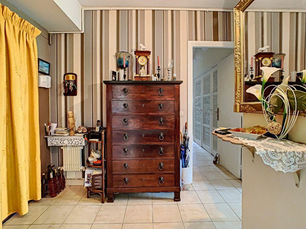 Appartement à vendre 4 92m2 à Antibes vignette-9