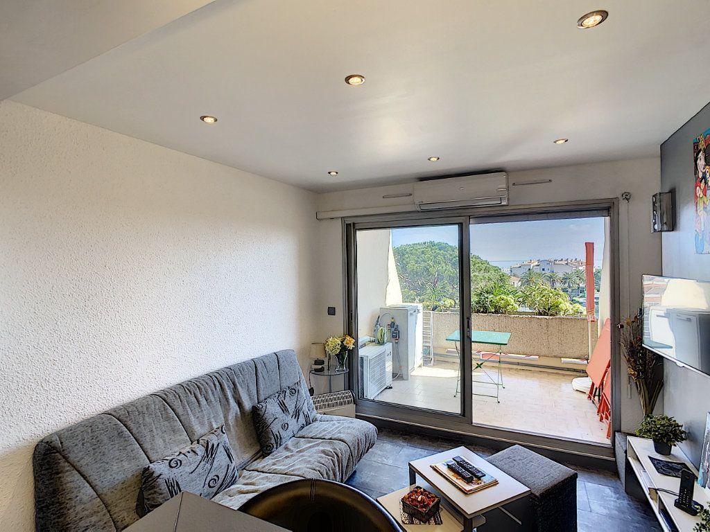Appartement à vendre 2 25.9m2 à Antibes vignette-5
