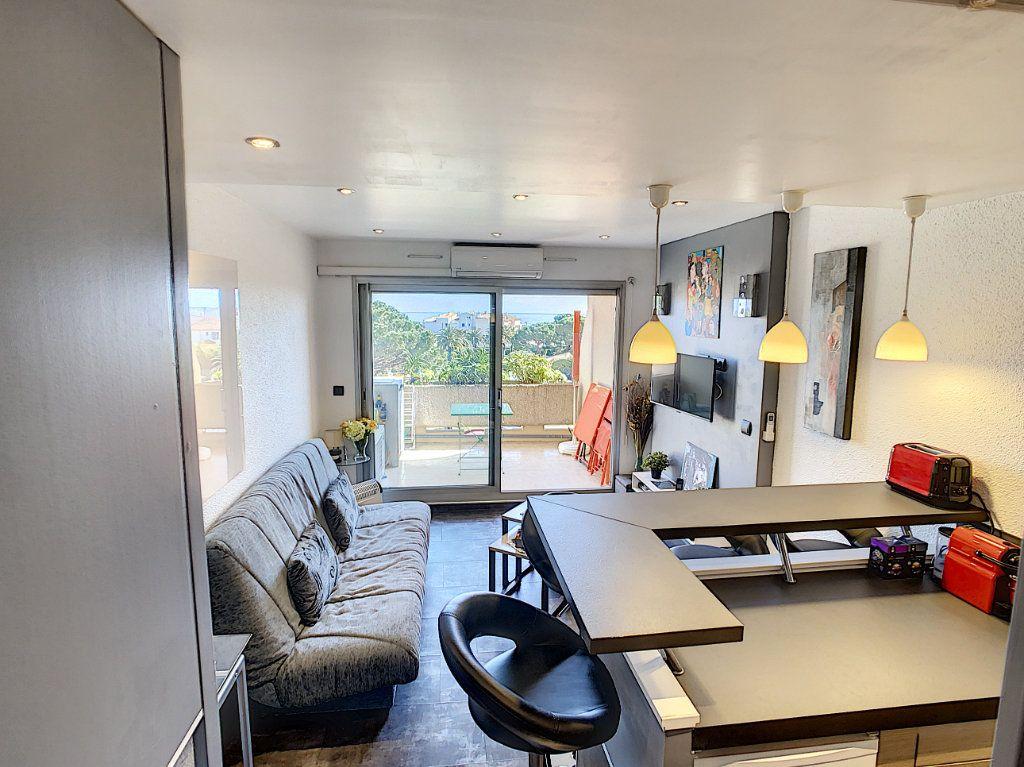 Appartement à vendre 2 25.9m2 à Antibes vignette-8