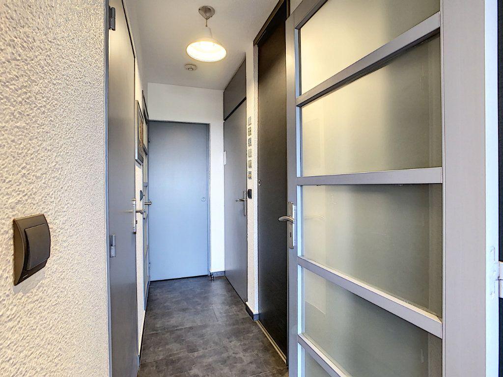 Appartement à vendre 2 25.9m2 à Antibes vignette-9