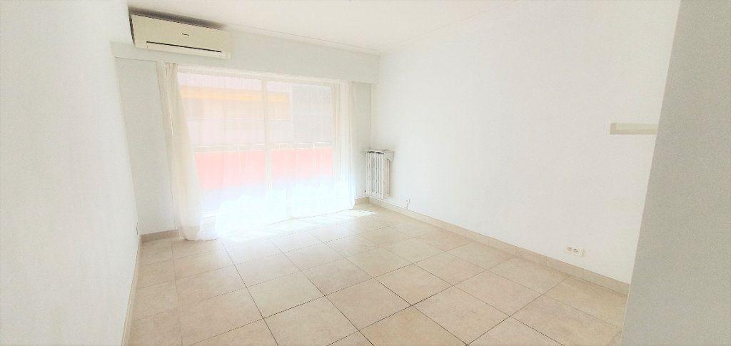 Appartement à vendre 4 91.34m2 à Antibes vignette-6