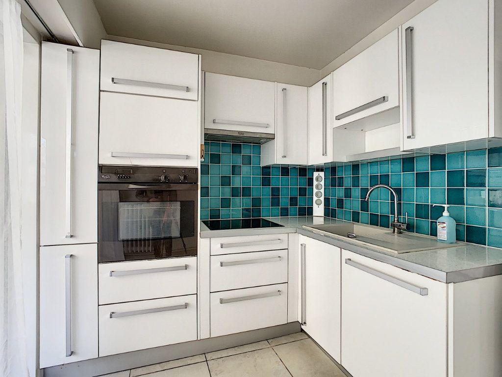 Appartement à vendre 4 91.34m2 à Antibes vignette-8