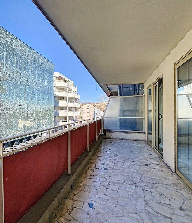 Appartement à vendre 4 91.34m2 à Antibes vignette-10