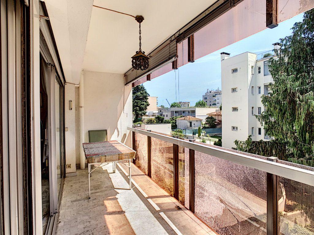 Appartement à vendre 3 76m2 à Juan-les-Pins - Antibes vignette-1