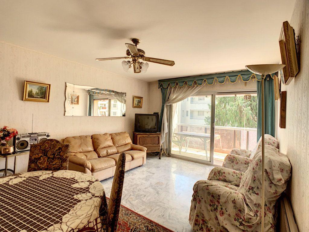 Appartement à vendre 3 76m2 à Juan-les-Pins - Antibes vignette-2
